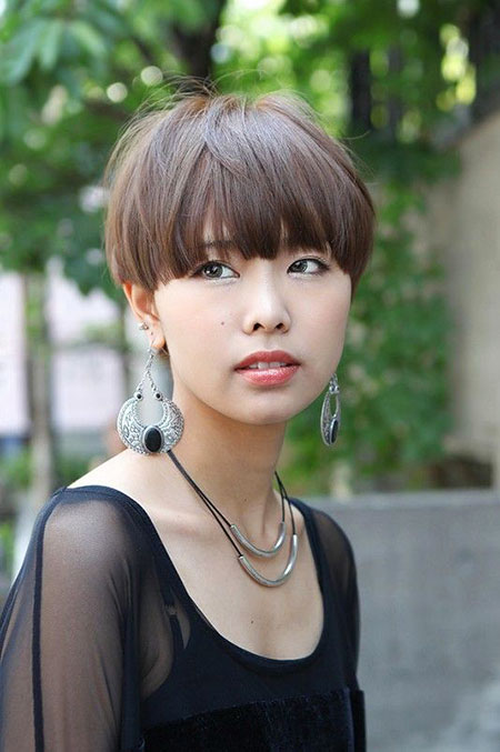 Short Hairstyles for Curly Hair - 6