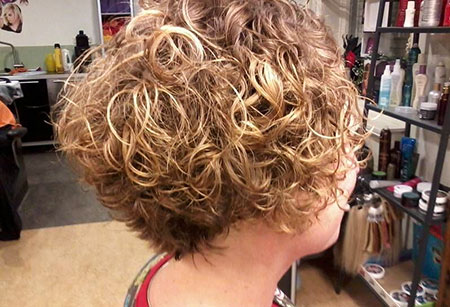 Short Curly Hairstyles Black Women - 9-