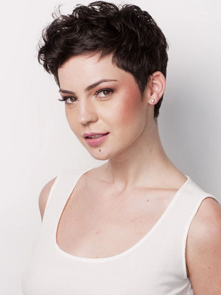 Short Hairstyles for Black Women - 9