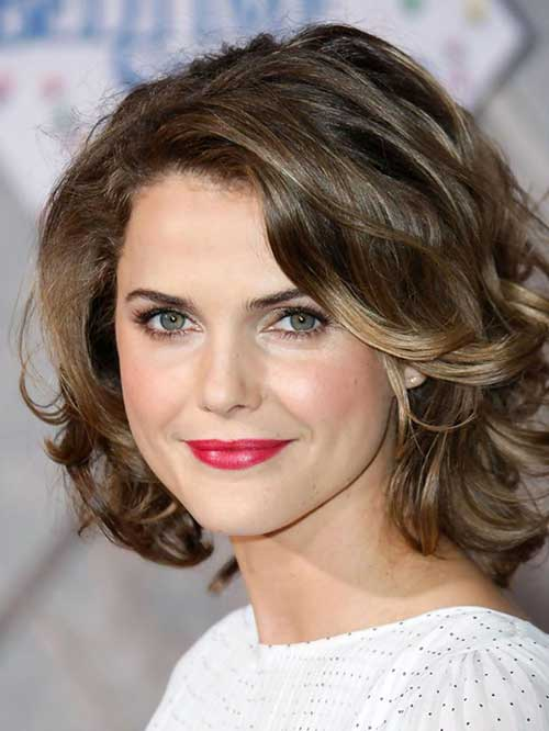 Chic Thick Wavy Short Hairstyles