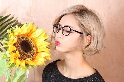 Best Cute Short Blonde Bob Haircuts for Girls