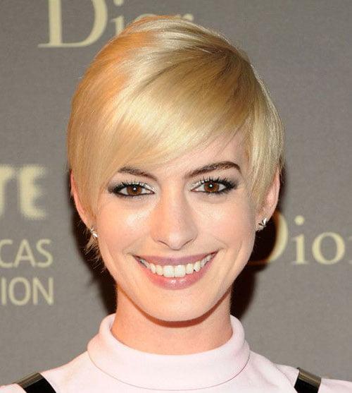 Cute Short Blonde Hair Actress