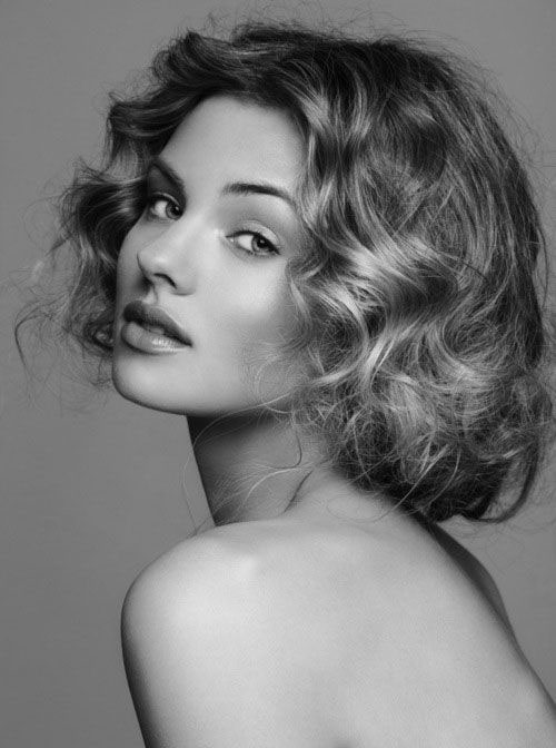Nice Short Curly Hair Round Face