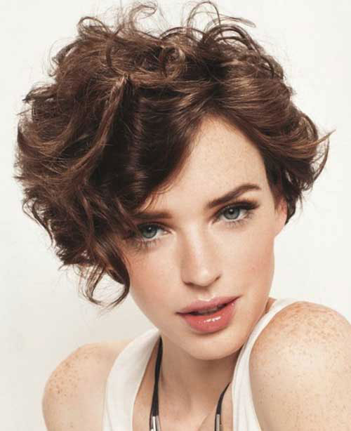 15 Short Curly Hair For Round Faces Short Hairstyles