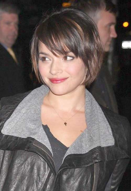 Best Short Haircuts with Side Swept Layered Bangs