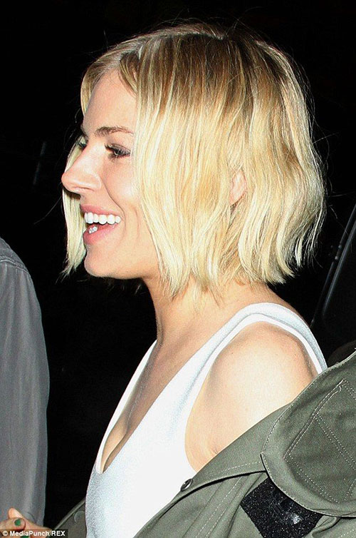 Best Wavy Blonde Bob Hair Actresses