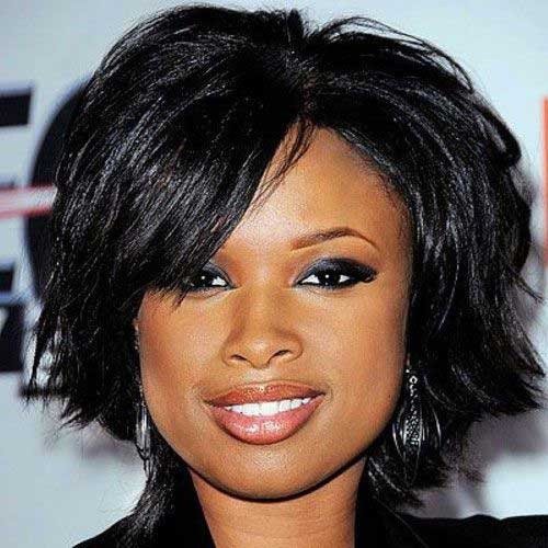Short Layered Haircuts for Round Faces-11