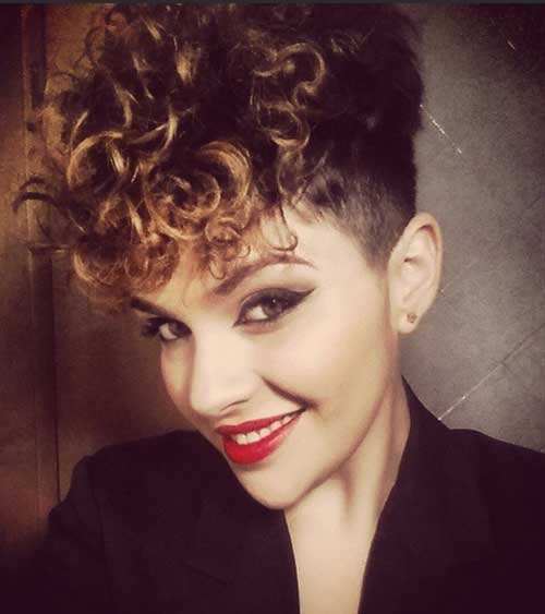 Hairstyles for Short Curly Hair-13