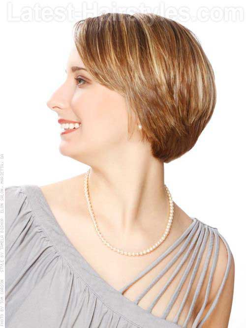 Short Haircuts with Layers-13