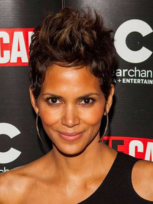 Halle Berry Short Haircuts-14