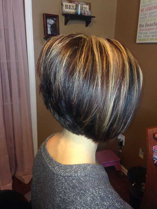 Short Haircuts with Layers-14