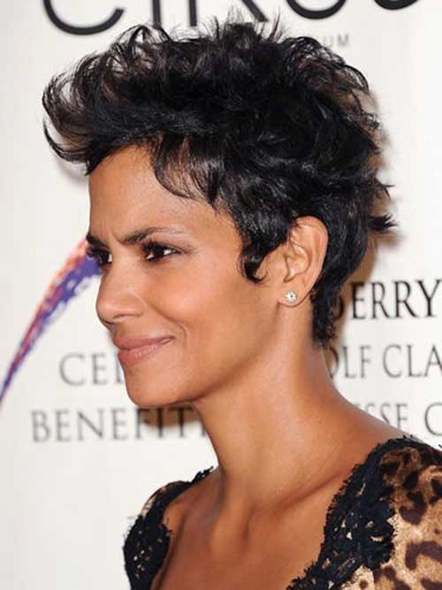 Halle Berry Short Haircuts-17