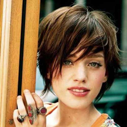 Short Haircuts with Layers-18