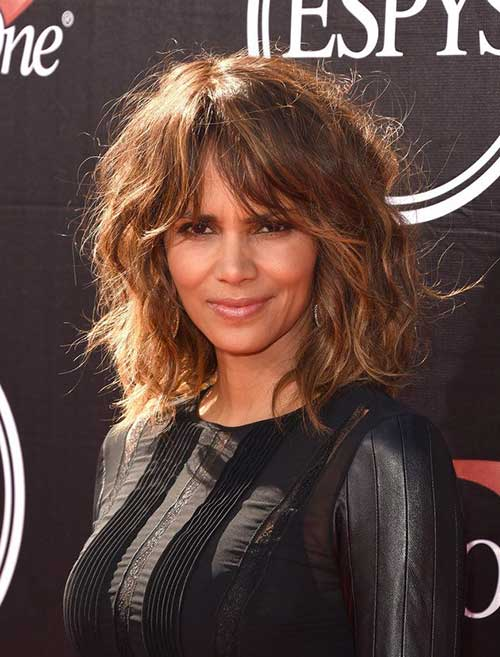 Halle Berry Short Haircuts-19