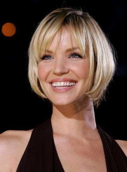 Short Haircuts for Oval Face-19