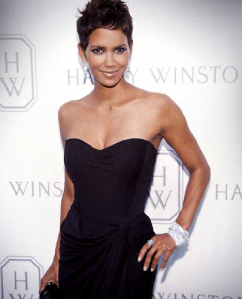 Halle Berry Short Haircuts-20
