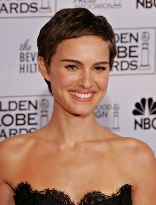 Short Haircuts for Oval Face-20