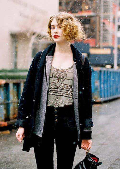 Hairstyles for Short Curly Hair-23