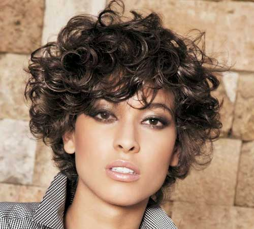 Hairstyles for Short Curly Hair-27