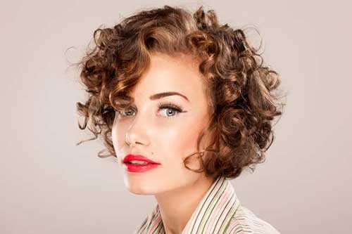 Hairstyles for Short Curly Hair-28
