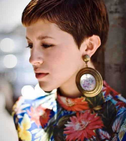 8.Best Short Haircuts for Oval Face