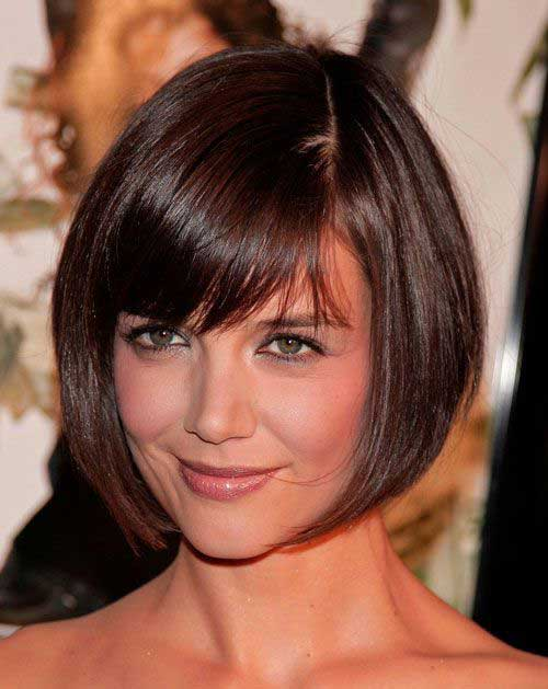 Short Layered Haircuts for Round Faces-8