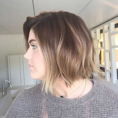 Short to Medium Haircuts-9