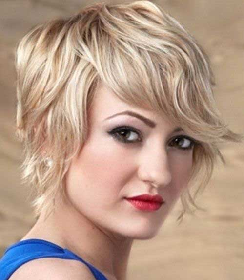 20 Cute Short Haircuts for Wavy Hair