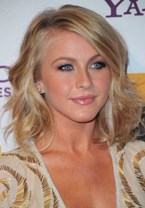 Medium Short Wavy Hair
