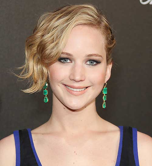 Jennifer Lawrence with Short Hair Pictures