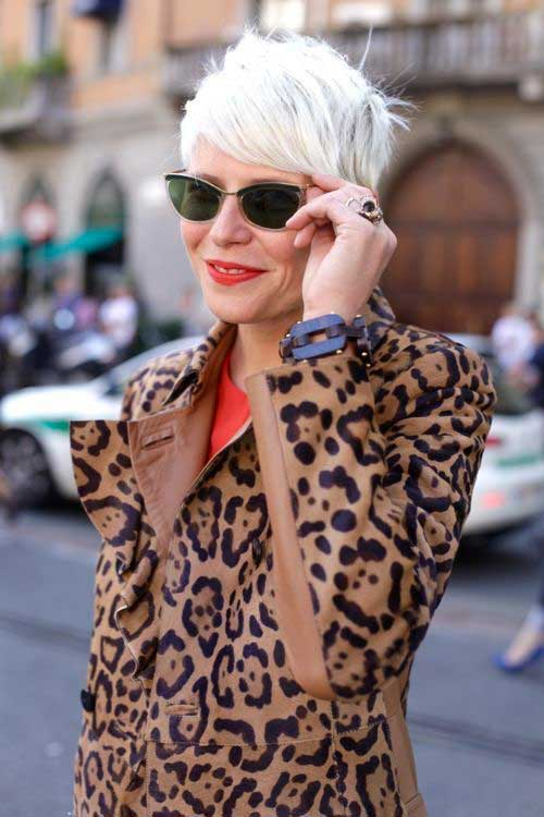 Short Grey Hair for Women Over 60