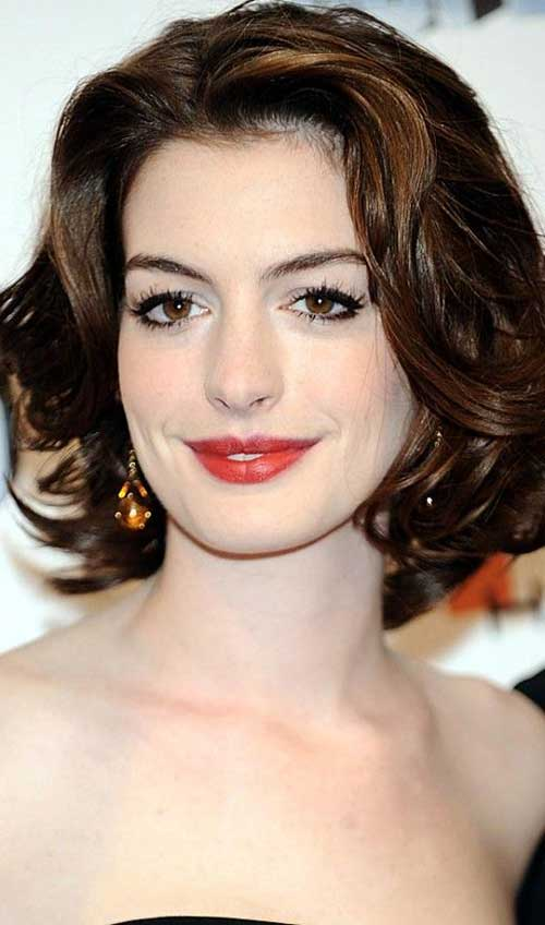 Short Medium Wavy Hairstyles