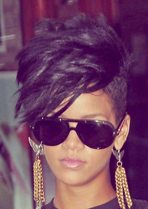 Short Rihanna Hairstyles Side Layered Bangs