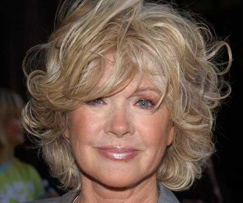Best Soft Wavy Hairstyles for Women Over 60