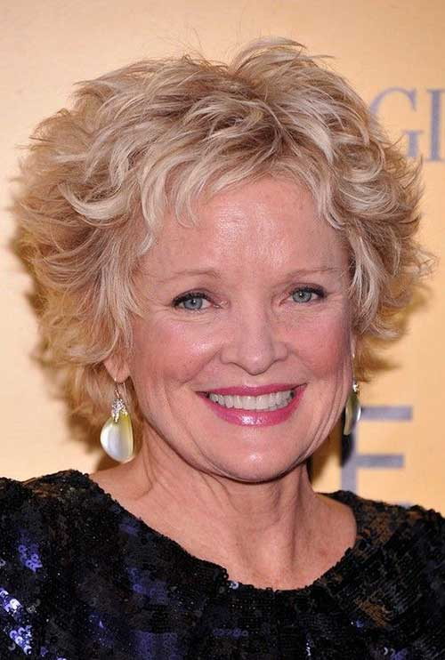 Short Hairstyles for Wavy Hair Over 50