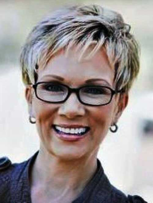 Short Hair Cuts For Older Women-10