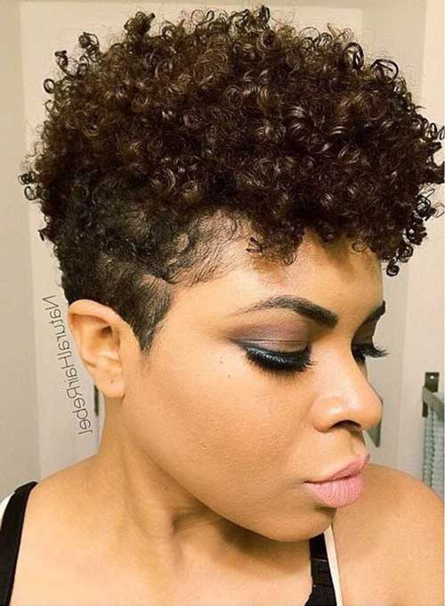 14.Short Curly Hairstyle for Black Women