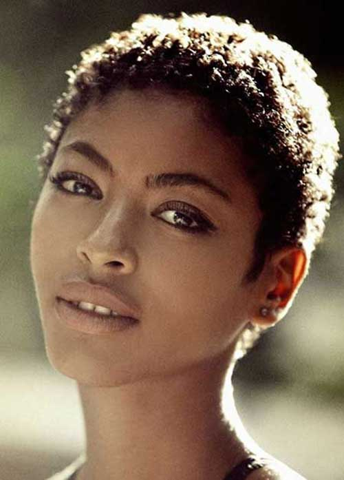 Very Short Hairstyles for Black Women-14