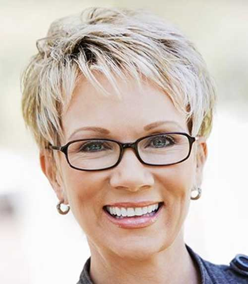Short Hair Cuts For Women Over 40-16