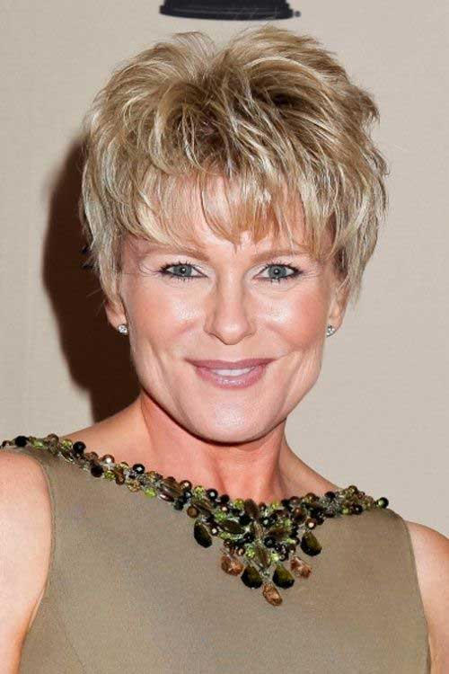 Short Hair Styles For Women Over 50-18