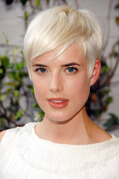 19.Celebrities with Short Hair 2016