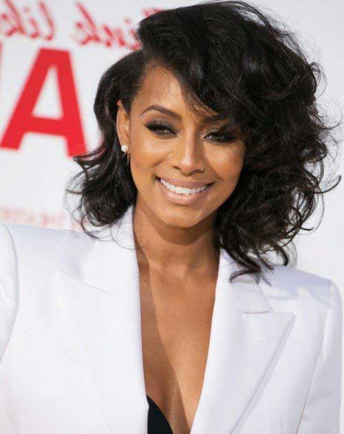 20.Short Curly Hairstyle for Black Women
