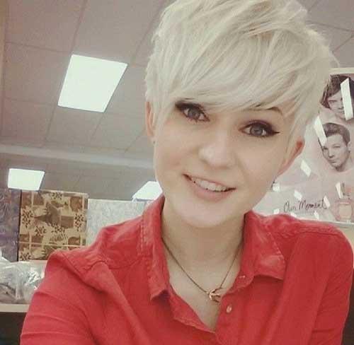 24.Hair Color for Short Hair