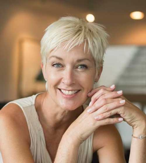 Short Hair Styles For Women Over 50-6