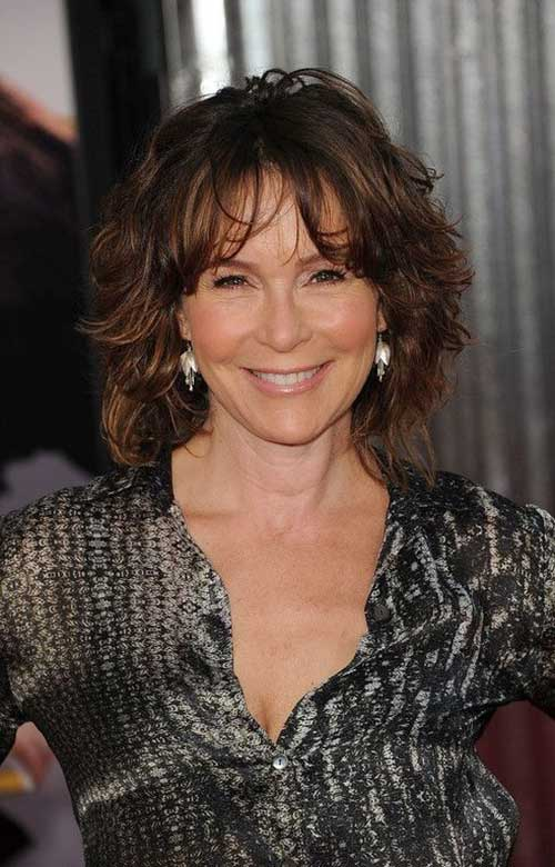 Short Hair Cuts For Older Women-8
