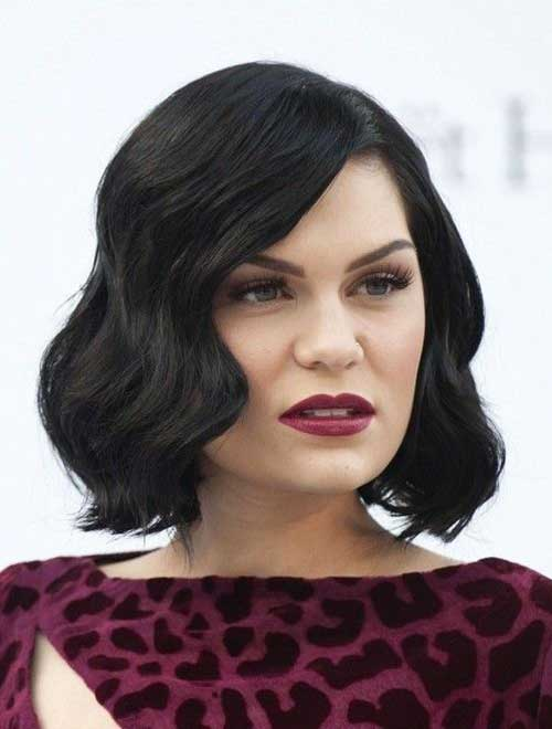Celebrities with Short Hairstyles-10