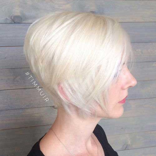 12.Layered Short Haircut