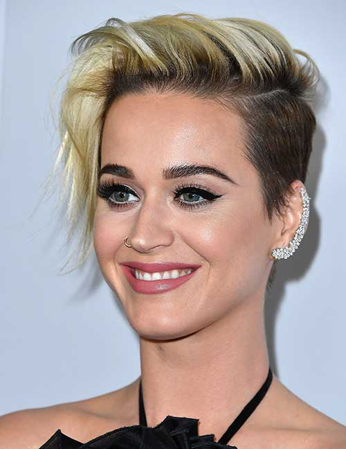 Celebrities with Short Hairstyles-14