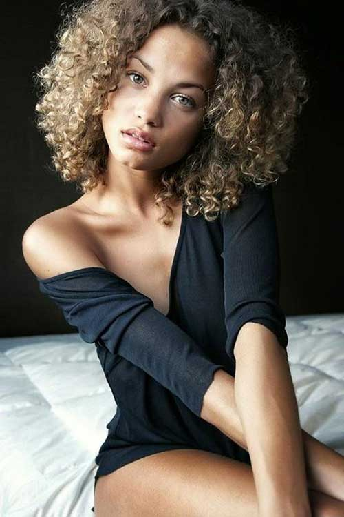 Short Curly Hairstyles for Black Women-17