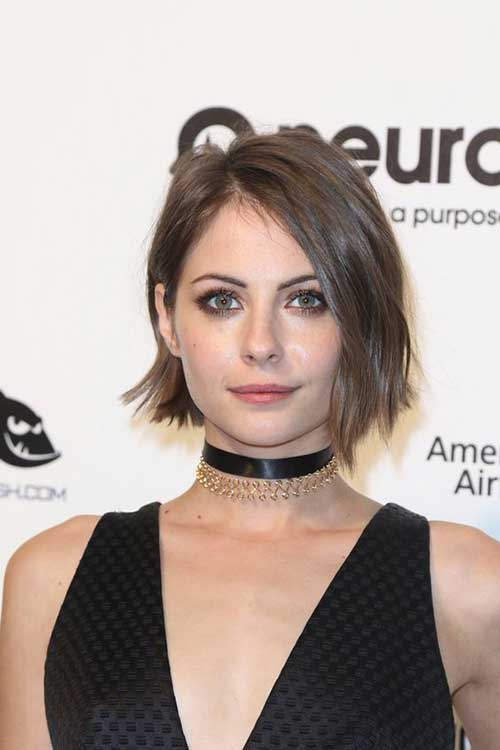 Celebrities with Short Hairstyles-19
